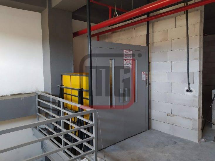 İşyeri yük asansörü